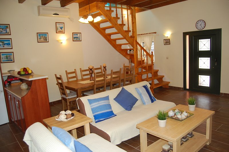 sitting room-Big wood refectory -a/c