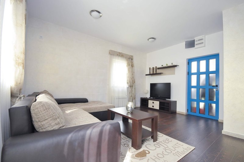 Apartment near the beach – semesterbostad i Rezevici