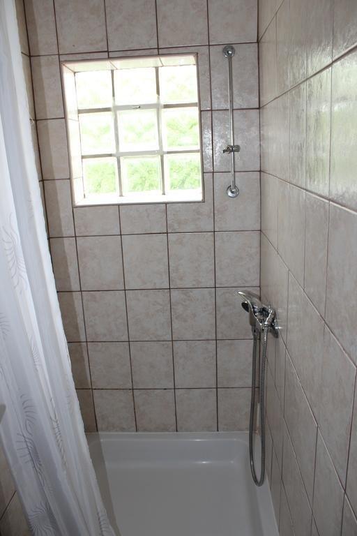 Een 2.KAT (6): badkamer met toilet