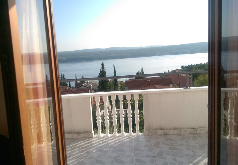 Tina -with terrace and sea view A1(4) - Obrovac, holiday rental in Obrovac