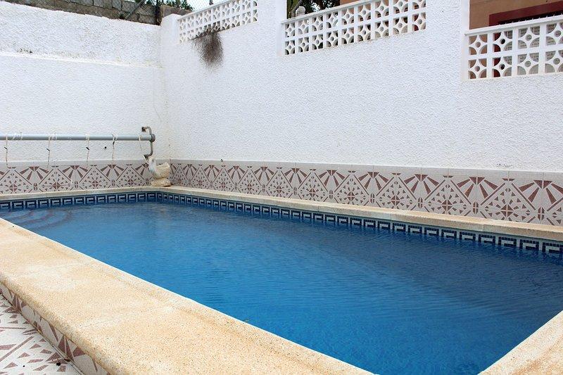 Gran piscina privada de la villa