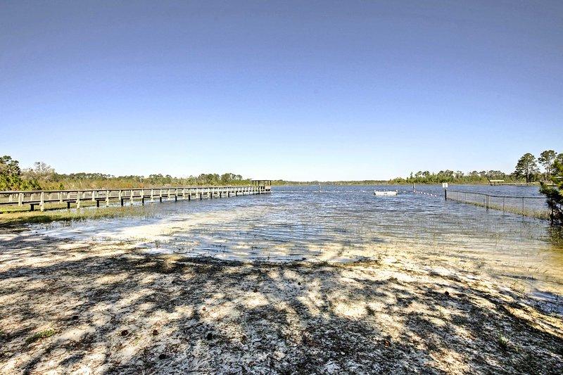 Vous serez à quelques minutes de la grande pêche, le canotage et la chasse pendant votre séjour.