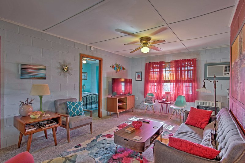 Slip away to this 2-bedroom, 2-bath Park Hill vacation rental cabin!