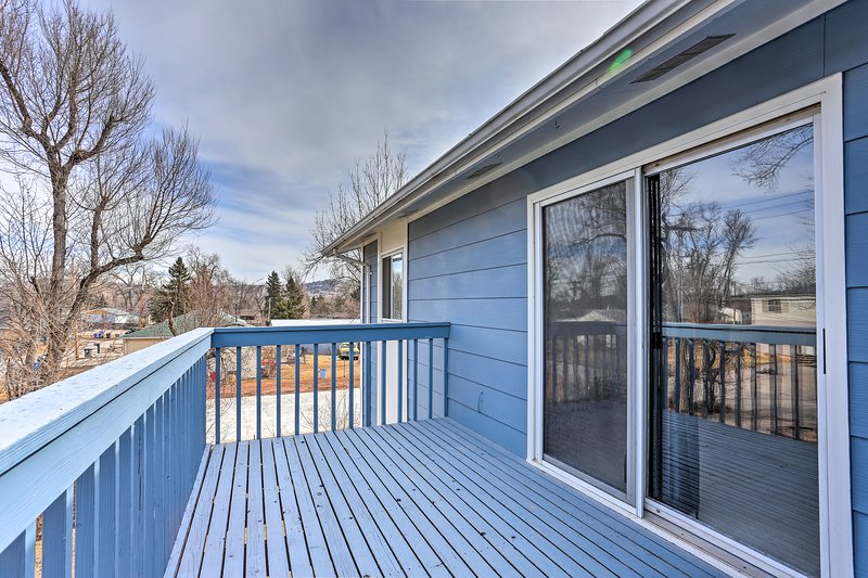 You'll be treated to South Dakota sunshine on the deck every day!