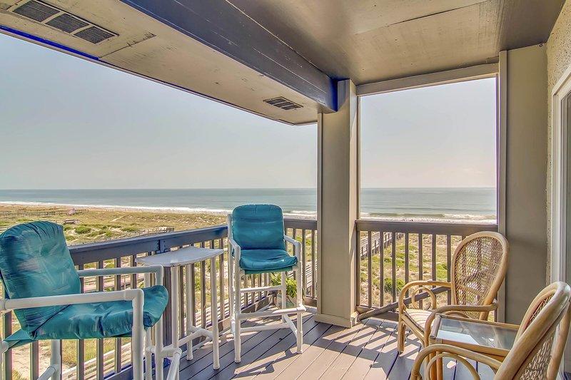 Book a trip to this  2-bedroom, 2-bath vacation rental villa in Fernandina Beach.