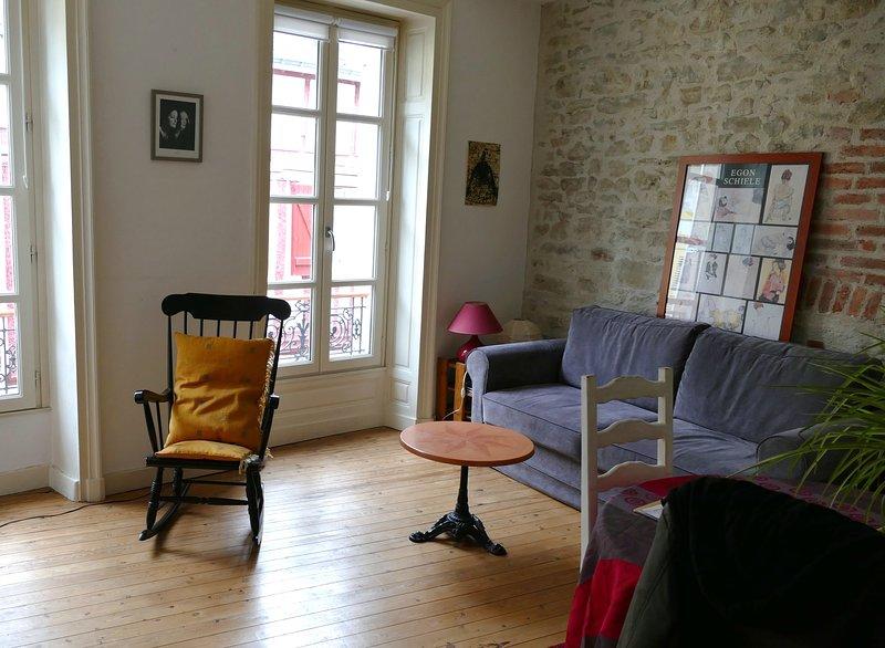Loue appartement de caractère rénové en 2012, 50m2, holiday rental in Saint-Ave