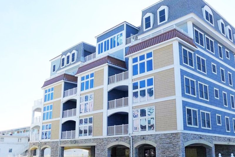 2BR/2BA Sandcastle Ocean and Bay view 5th floor, aluguéis de temporada em Wildwood Crest
