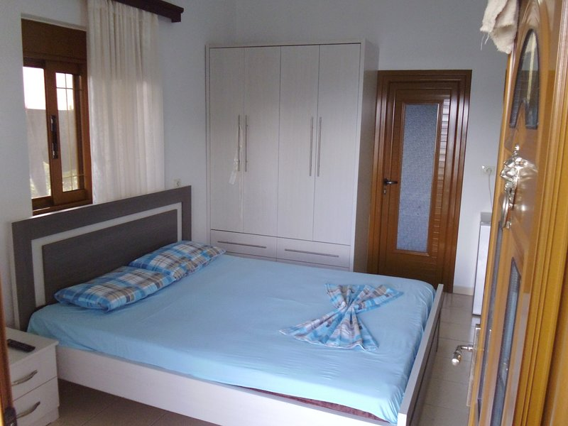 vila Shahin Ahmeti Bedroom 5, holiday rental in Ksamil