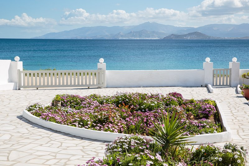 Paradis beach home, holiday rental in Ampelas