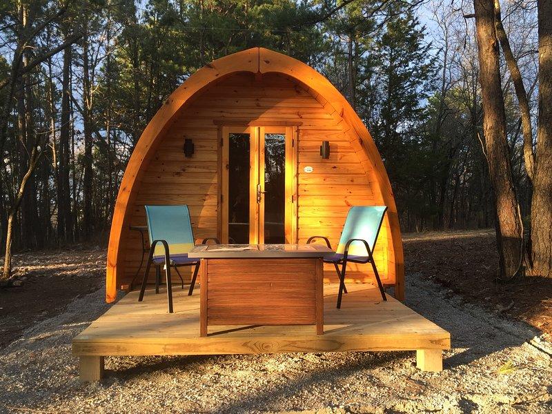 Iris Hill Glamping, 'Ted' pod 5th night Free, location de vacances à Huntsville