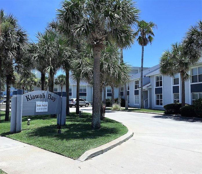 Kiawah Bay Condo - Unit 201, location de vacances à New Smyrna Beach