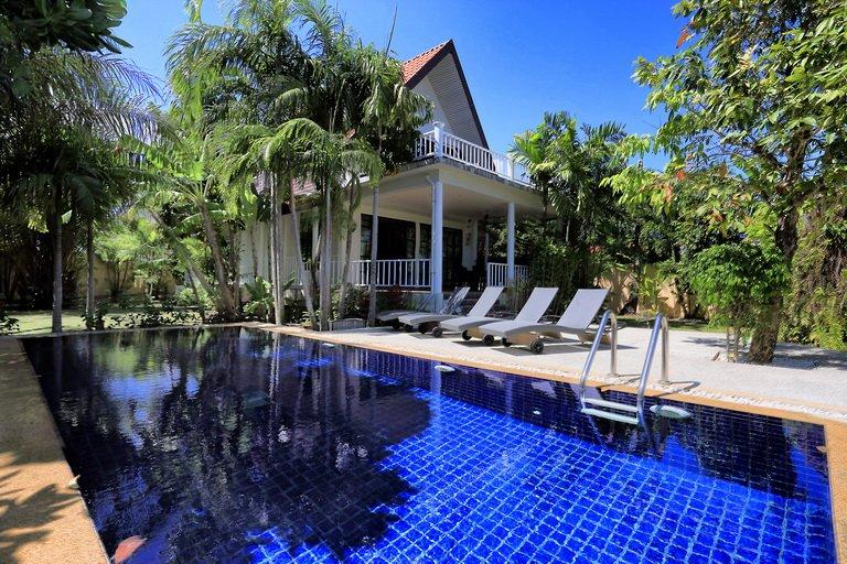 Rawai  3 bed Villa with large Pool, holiday rental in Ban Trisuk