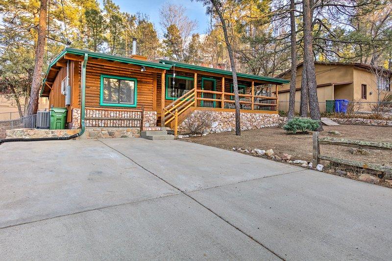 Détendez-vous dans cet hôtel confortable de 3 chambres, 1 salle de bains-cabine location de vacances à Prescott.