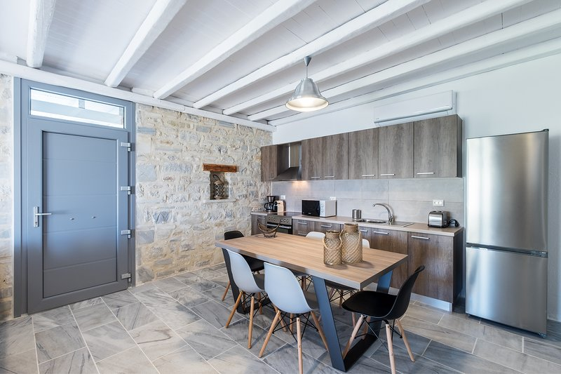 Paros Nereids Villa THETIS, vacation rental in Lefkes