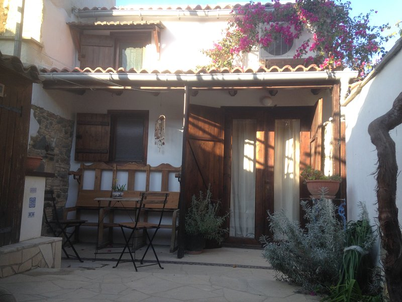 Guesthouse Gonia, holiday rental in Peristerona