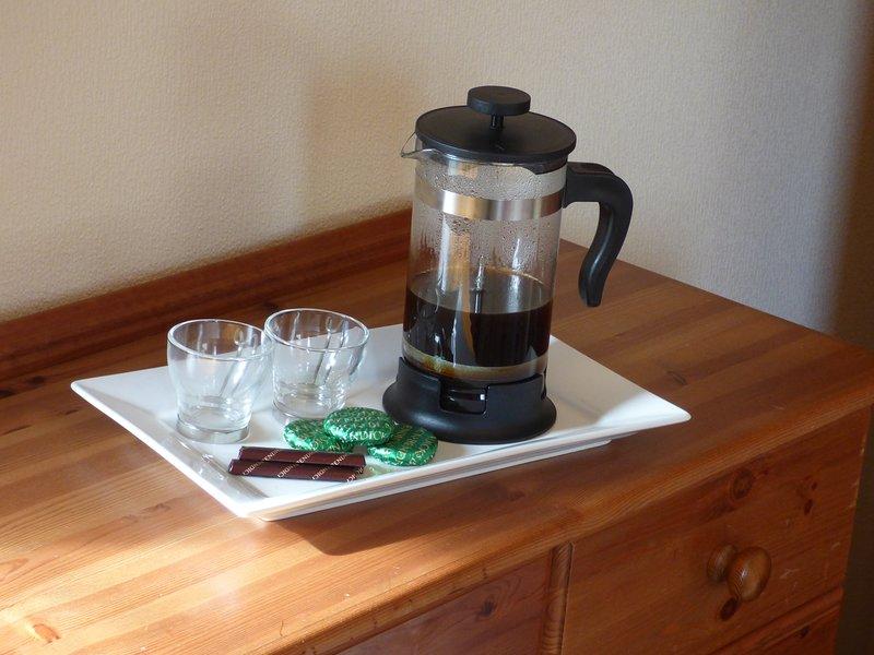 Frühstück? nur, wenn Sie in Eile sind und genießen Schokolade zum Frühstück mit Kaffee.