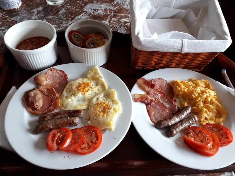 Breakfast can be arranged at an additional cost. By prior arrangements with the hostess.