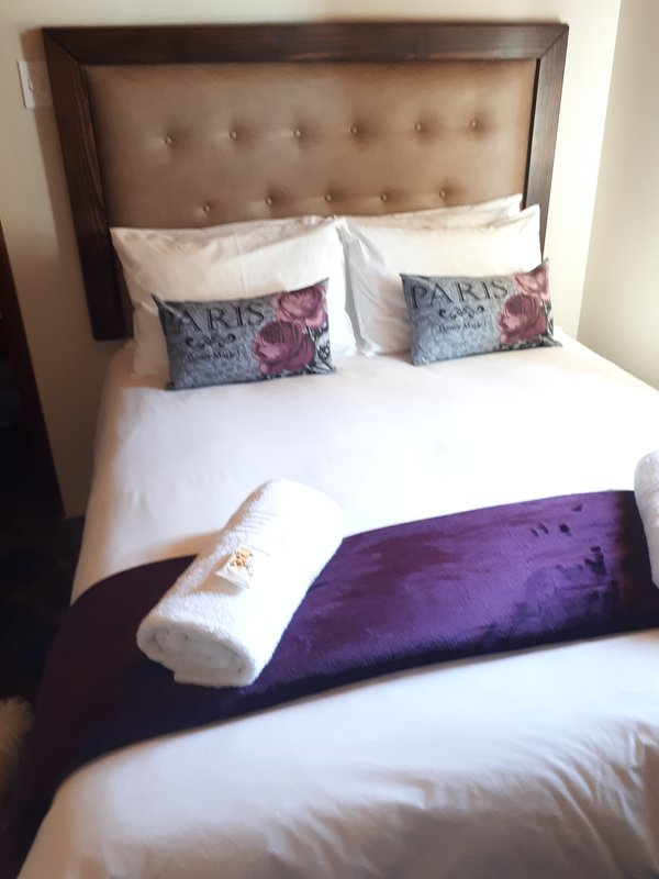 Two single beds placed together form a king size bed, we fit king size linen