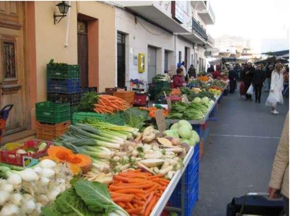 marché du mardi, les fruits et légumes