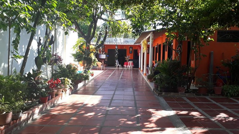 Donde Flor Guest House, holiday rental in Cienaga