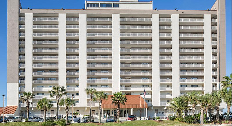 Landmark Holiday Beach Resort vista frontal.