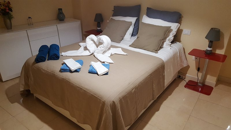 Marlenghi Apartments Las Canteras, vacation rental in Las Palmas de Gran Canaria