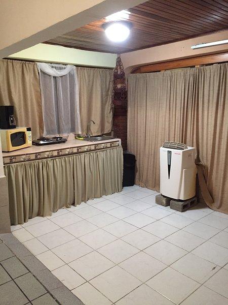 Nice and confortable Apartament in quepos center/ apatamento en quepos centro, vacation rental in Quepos