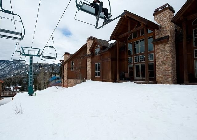 Luxury Townhome - Ski in/Ski Out - Foosball - Best Location, holiday rental in Purgatory