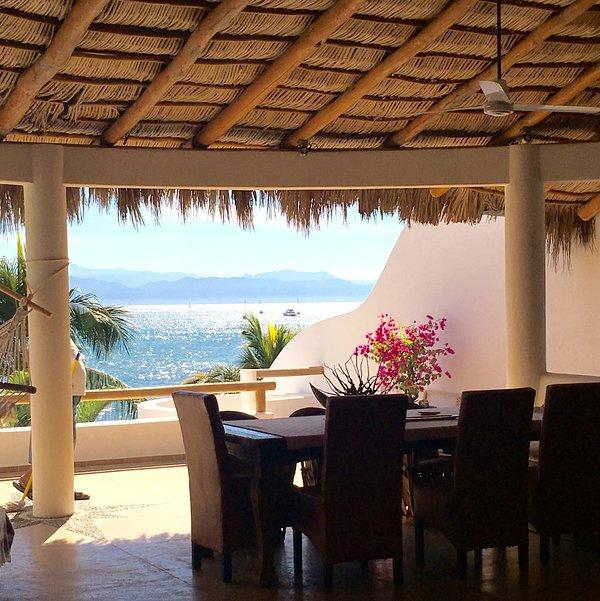 Casa Kaeli, Beautiful Beachfront Home, Large Infiniti Pool
