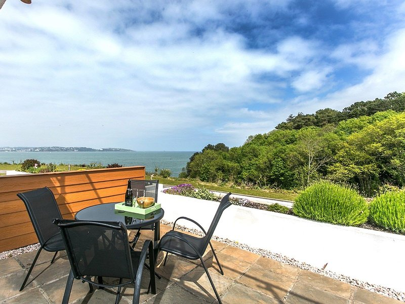 Sandpiper 3 - The Cove - Luxury front row, ground floor holiday apartment with p, casa vacanza a Churston Ferrers