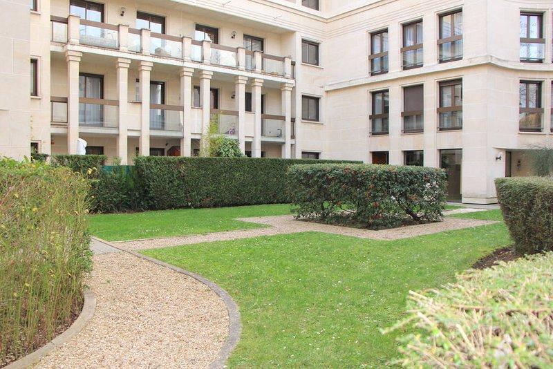 appartement a louer ideal pour 4-5 personnes - calme - proche paris, location de vacances à Neuilly-sur-Seine