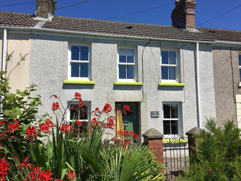Burry Port Holiday Cottage, casa vacanza a Carmarthenshire