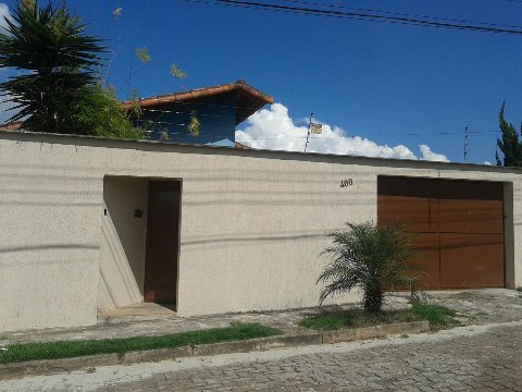 Casa de temporada a 10 min do INHOTIM, alquiler de vacaciones en Betim