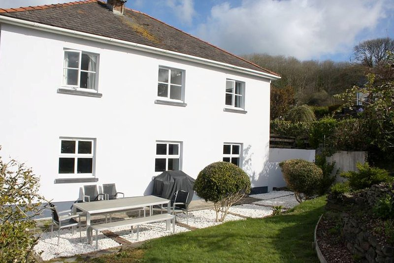 Mead House, holiday rental in Amroth