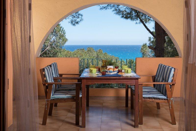 Dimora Sunrise_Appartamento a 350 mt dal mare, alquiler vacacional en Cala Liberotto