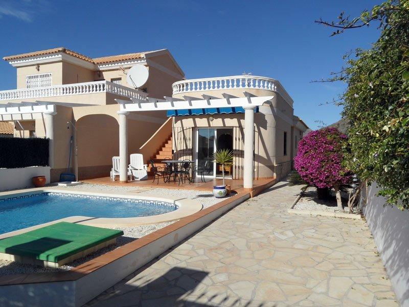 Casa Hidalgo, 2 bedrooms, 2 bathrooms. Private pool. Airco and Free WIFI, holiday rental in San Juan de los Terreros