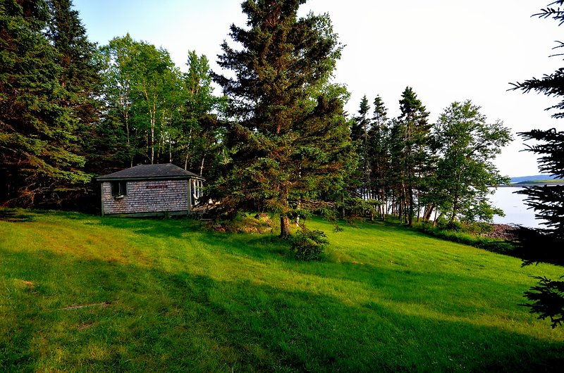 Bay-Side Cabin (Rossport by the Sea), vacation rental in Eastport