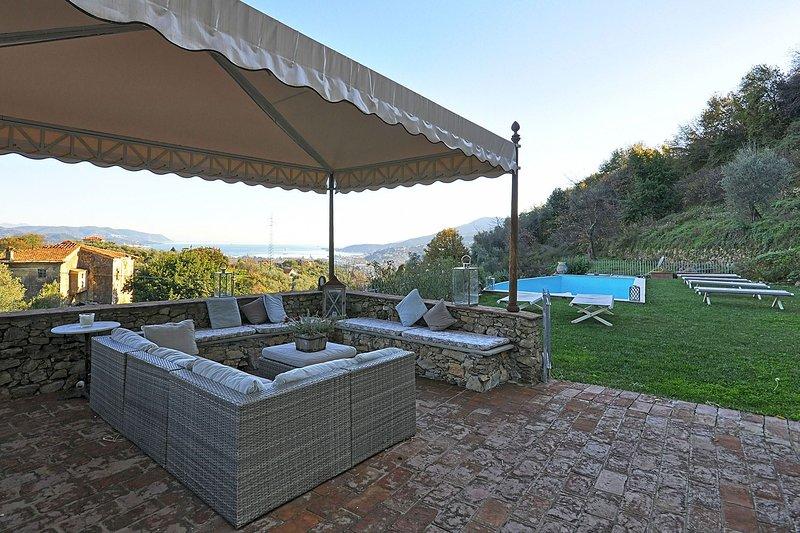 Villa Sissy, holiday rental in Biassa