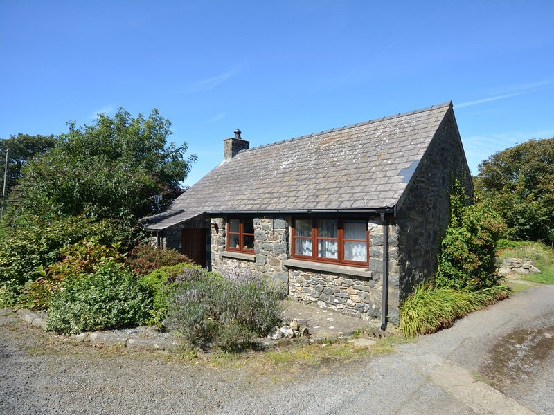 Idyllic detached coastal cottage,perfect at any time of the year