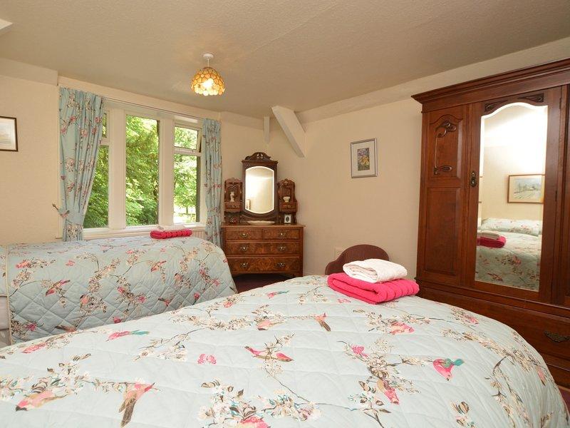 Fantastic fabrics in the twin bedroom