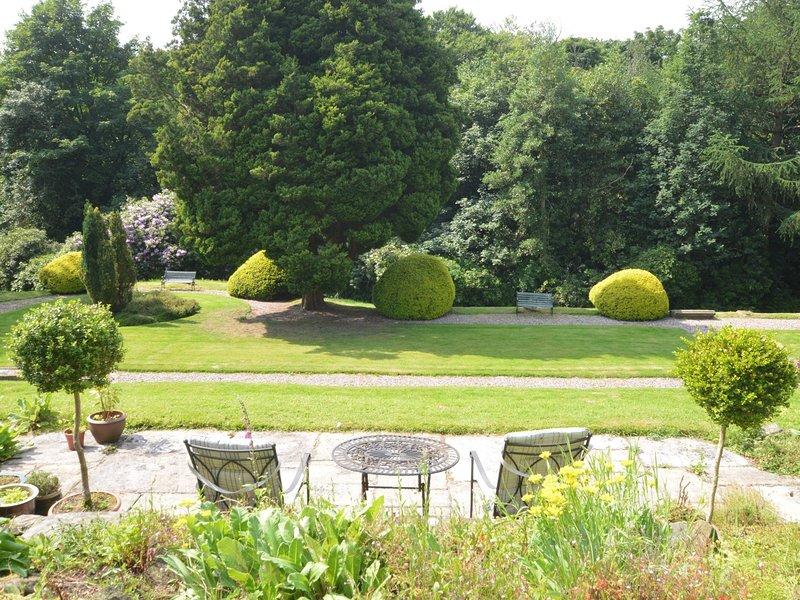 manucurés Gardens