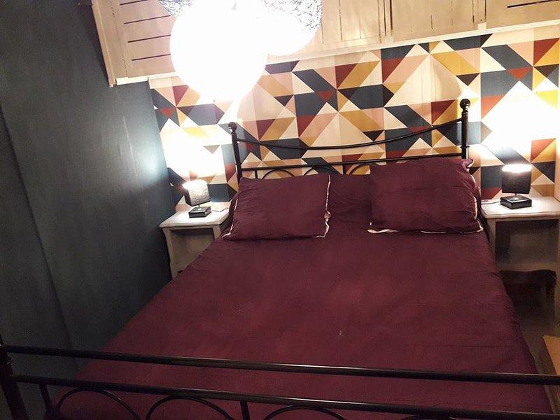 Chalet en bois avec jacuzzi, holiday rental in Saint-Privat-des-Vieux