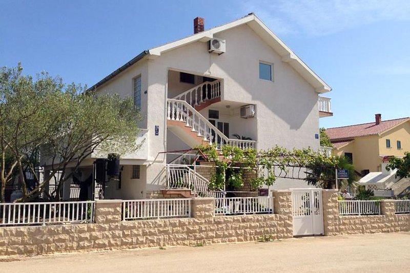 Four bedroom apartment Biograd na Moru, Biograd (A-6245-b), holiday rental in Biograd na Moru