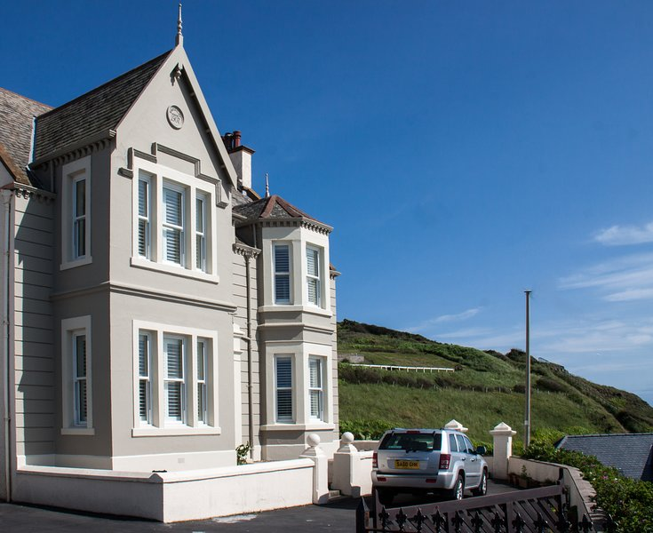South Cliff House, holiday rental in Portpatrick