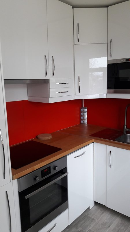 Equipped kitchen. You trouvriez induction pans and everything needed to make a dish ..