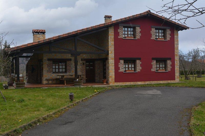 La Milonga. Preciosa casa, 8 personas!!!!, vacation rental in Campiellos