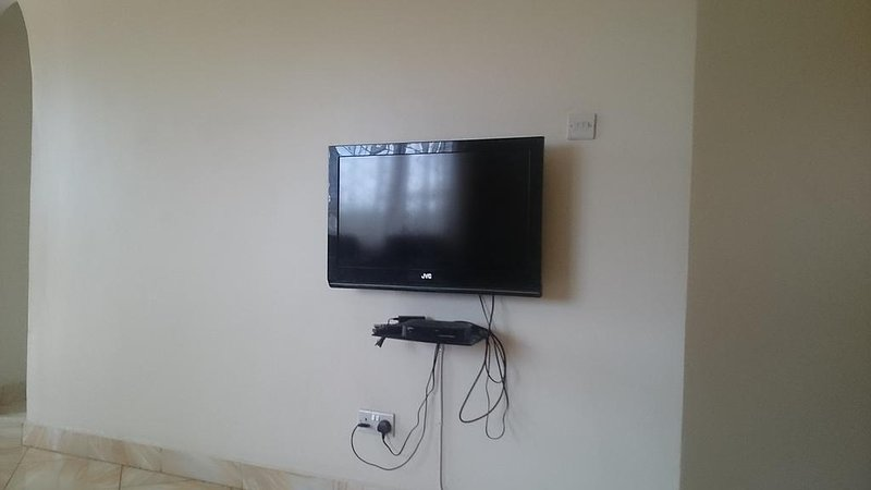 LAD APARTMENTS Bedroom 1, vacation rental in Namugongo