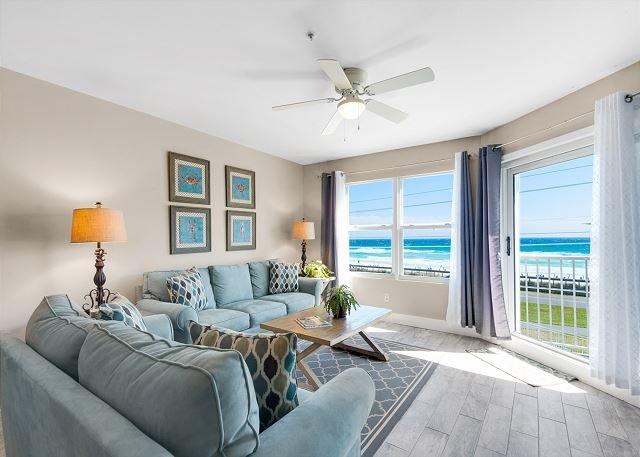 Maravilla 2310 - Beautiful Gulf Views From Living Area