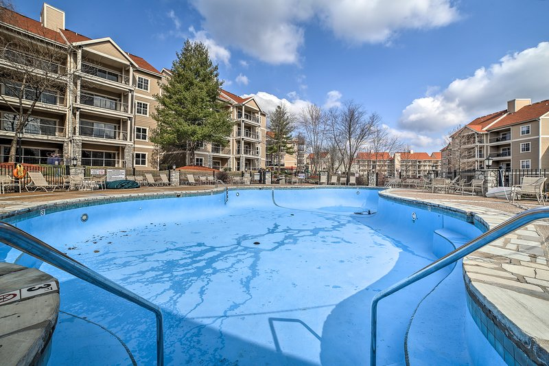 With a pool and convenient location, this condo has something for everyone.