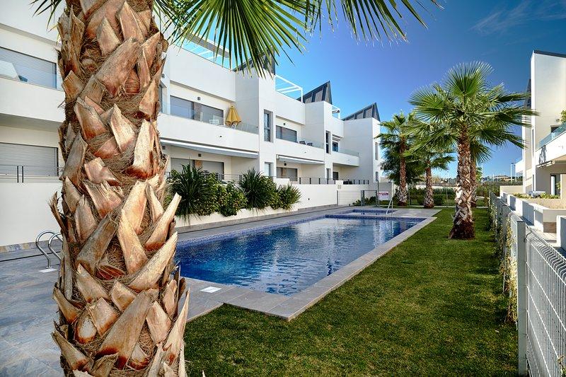 Villa Amalia 4, vacation rental in Torrevieja